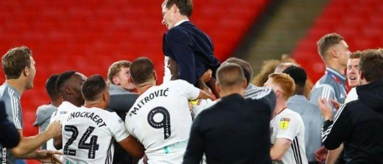 Фулхем виграв просування в Прем'єр-лігу, перемігши Брентфорда з рахунком 2: 1 у фіналі плей-офф Уемблі в серпні.